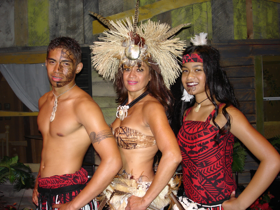 hawaii percussie danseres